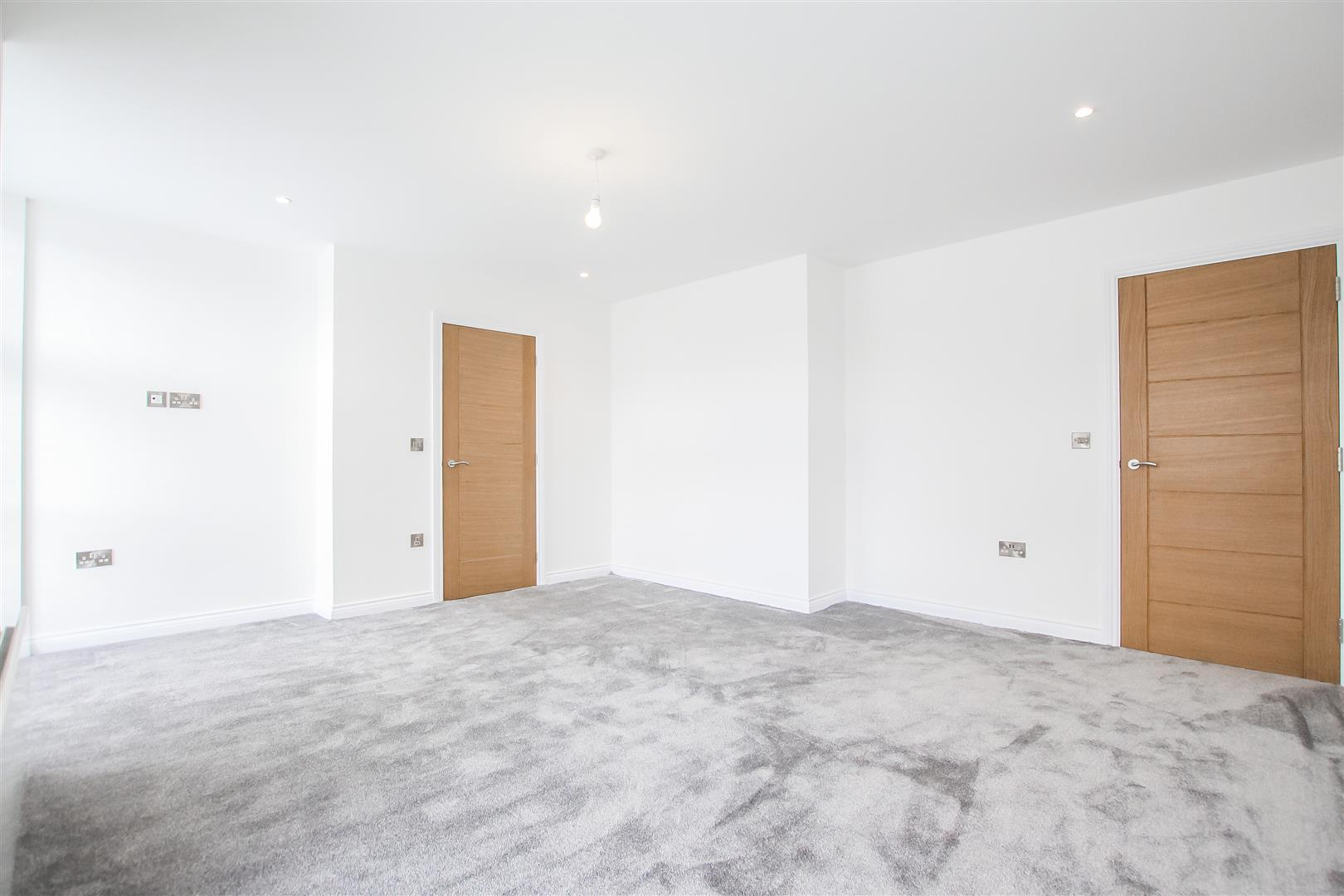 2 Bedroom Apartment For Sale - Image 5